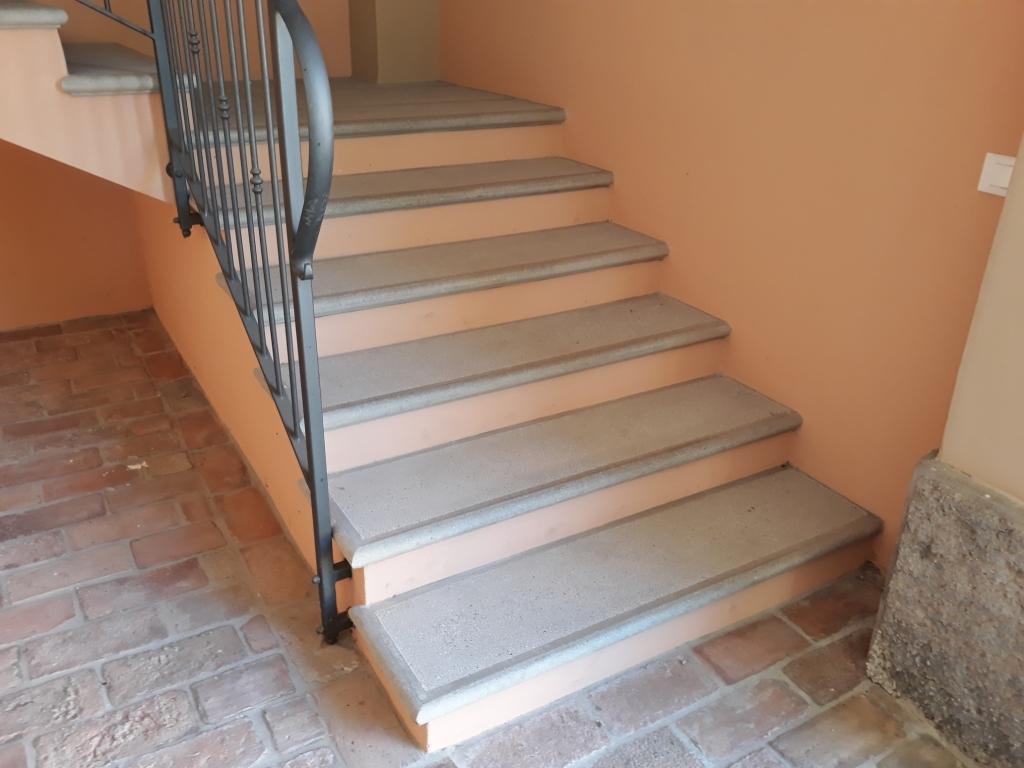 Gradini Per Scale Interne scale interne in cemento su misura.tipologie, forme, colori